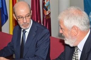 La UPCT y el Club Bádminton Cartagena firman el convenio de colaboración.