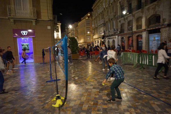 Bádminton en la noche de Cartagena